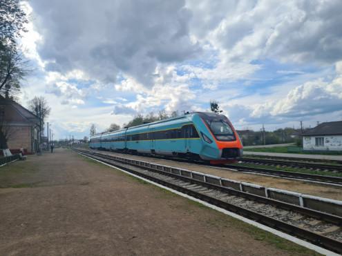 Знімком потяга поділився на своїй сторінці у Facebook депутат Волинської обласної ради Іван Мирка.