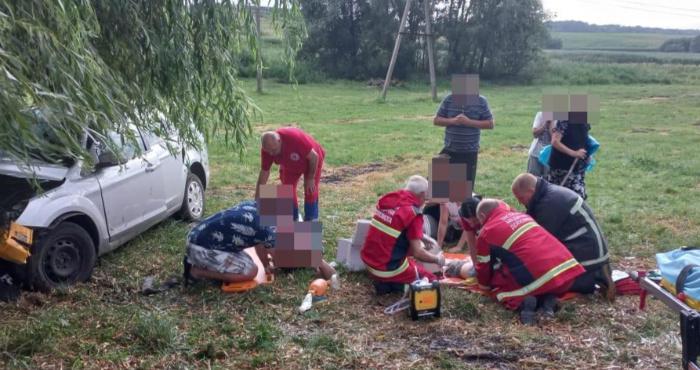 В авто було 12 людей: на Горохівщині в аварії загинуло двоє дорослих і дитина