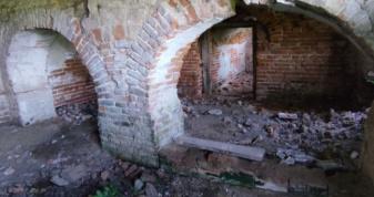 На Горохівщині руйнується приміщення колишньої митниці