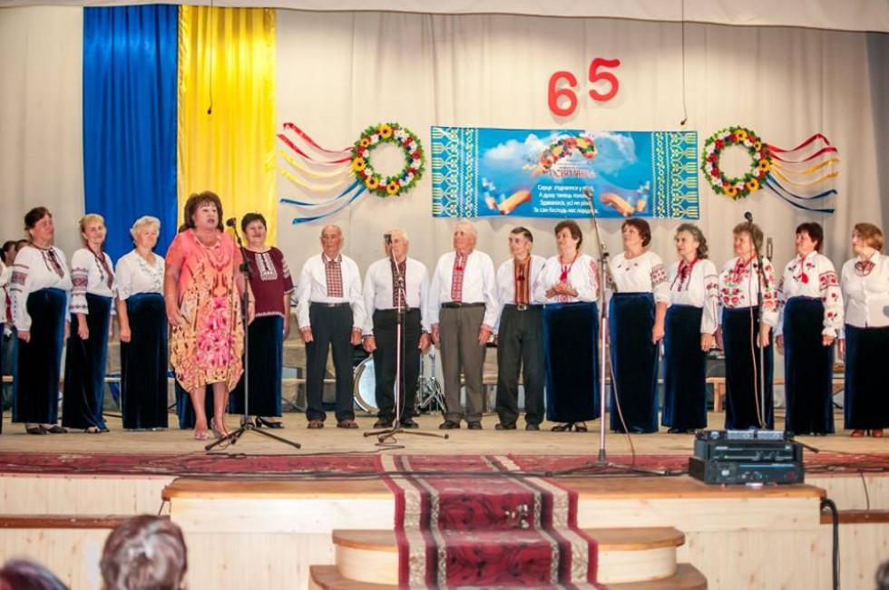 Учасників хору привітала колишній начальник відділу освіти Тамара Середа