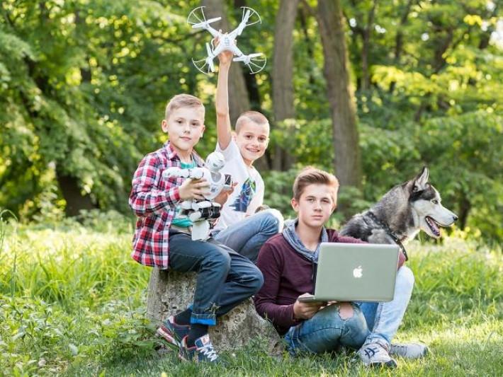 Академія «ШАГ» оголосила набір у літній комп'ютерний табір