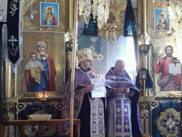 Терешківці: у церкві, яка перейшла у ПЦУ, представили нового настоятеля