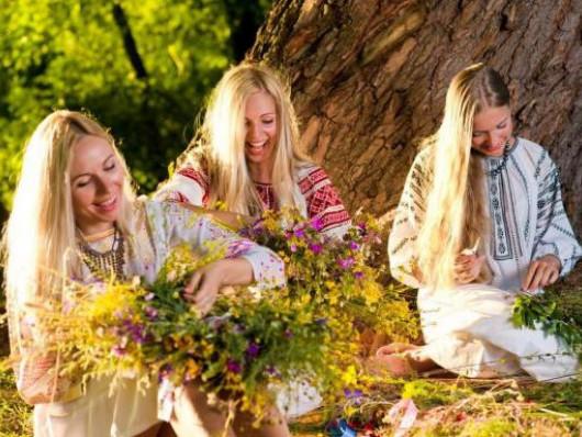У Горохові відбудеться розважальна програма з нагоди свята Трійці.