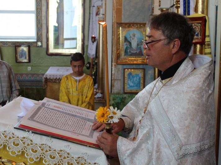 Ощів: священик привітав прихожан з переходом у ПЦУ