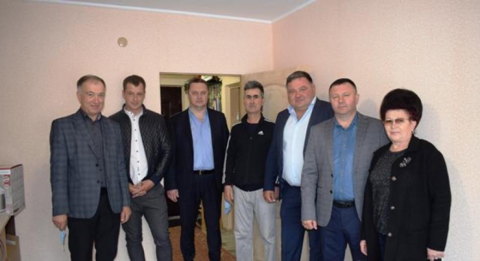 Набіжана Артикова привітали з новосіллям