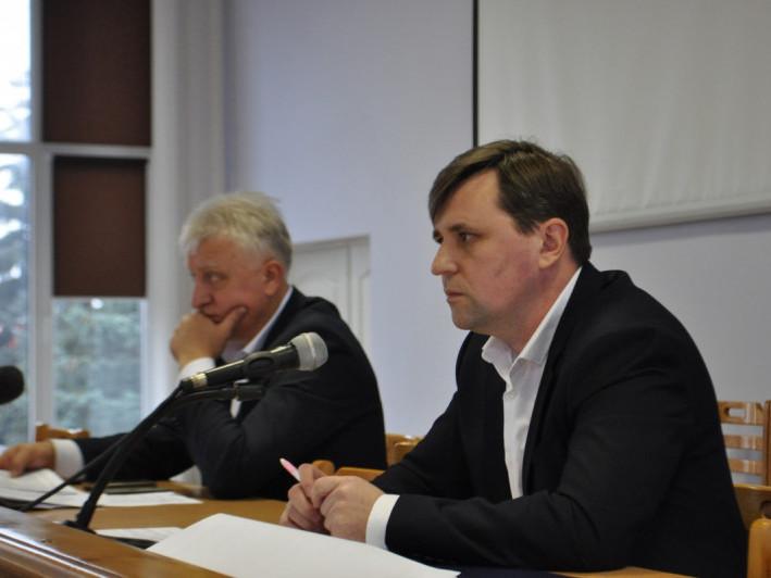 Голова районної ради Олександр Омельчук (праворуч) та його заступник Сергій Сівак (ліворуч).