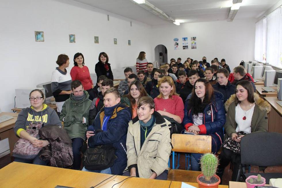 Учні ПТУ 27 у Берестечку на зустрічі з поліцейськими
