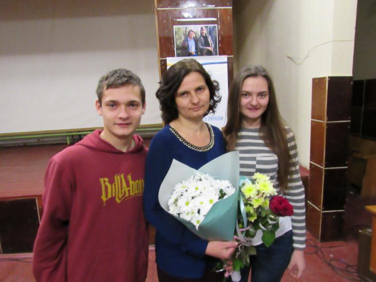 Оксана Чех разом зі своїми дітьми – Любов'ю та Дмитром