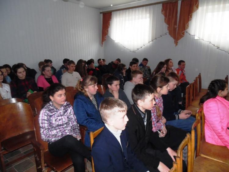 Бесіда з учнями Підберезівської ЗОШ