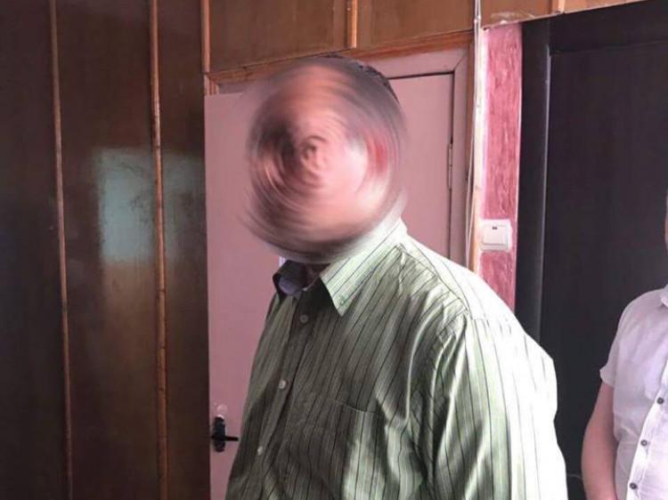 Хабаря посадовець вимагав за закриття виконавчого провадження