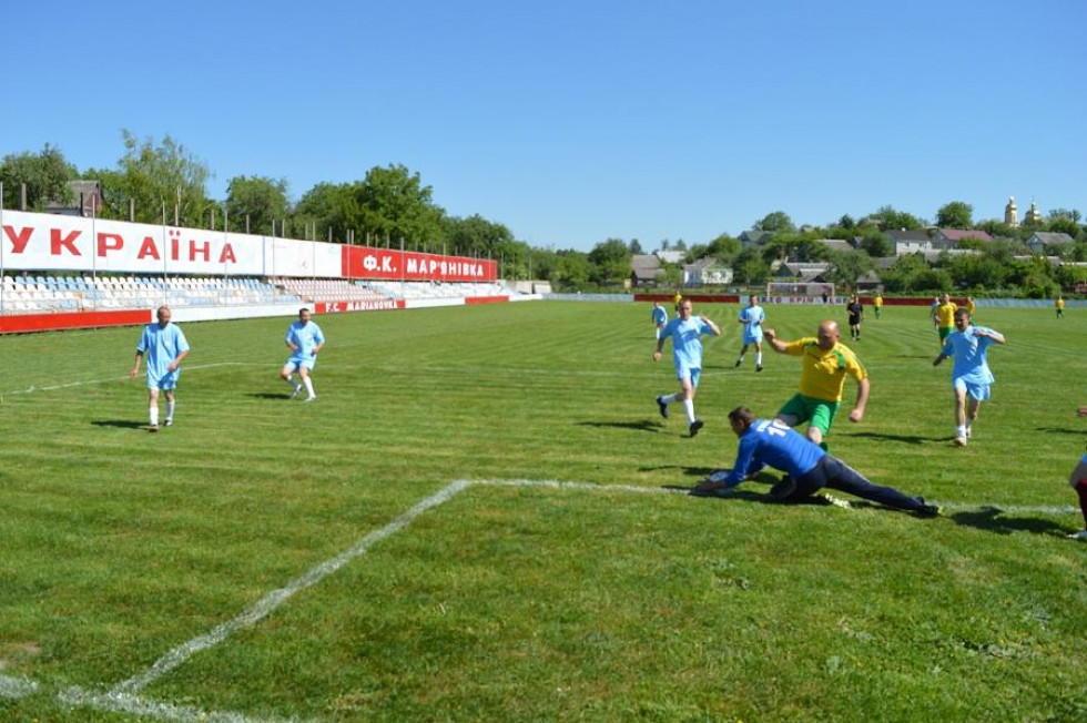 Команди зіграли два тайми по 25 хвилин.