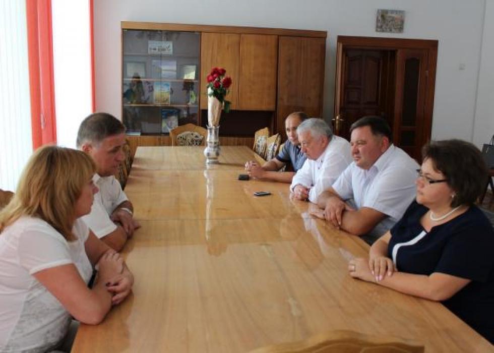 Робоча зустріч, на якій обговорили використання бюджетних коштів
