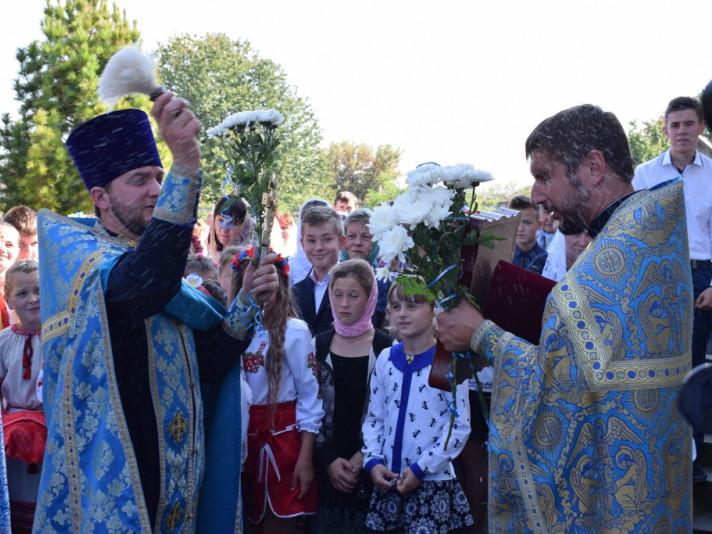 Вірян щедро окропили водою і привітали з престольним празником