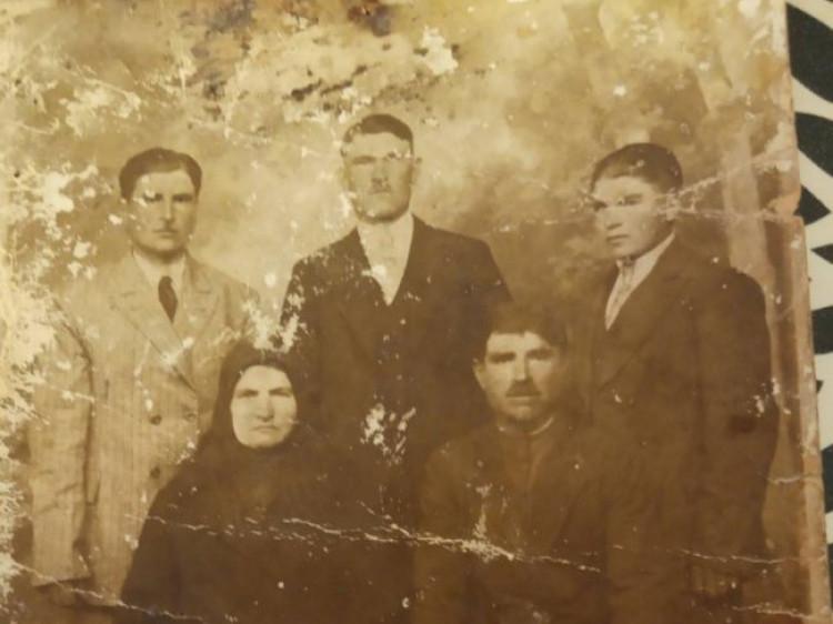 Які хустки носили жінки Горохівщини сто років тому