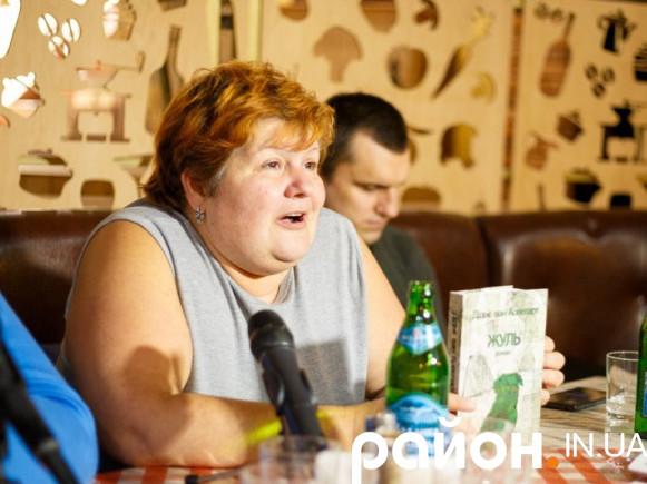 Анетта Антоненко під час презентації акції «Озвучимо книжки для незрячих» у Луцьку