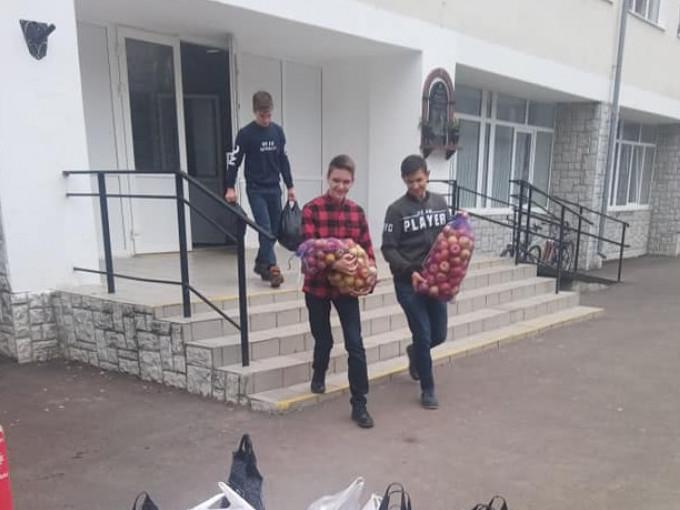 Горохівська гімназія зібрала допомогу для бійців