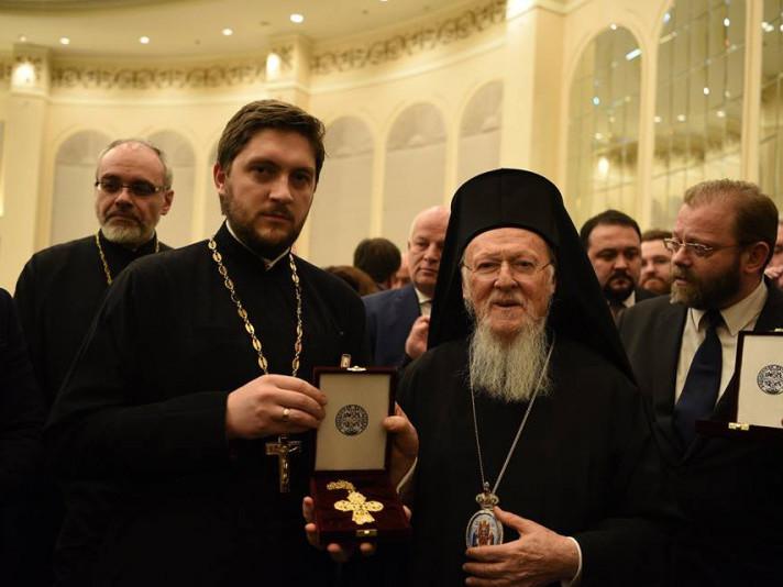 Горохівський священик отримав подарунок від Вселенського Патріарха Варфоломія
