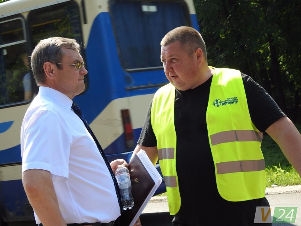 Анатолій Посполітак (зліва) хвилюється: сьогодні прем'єрська інспекція...