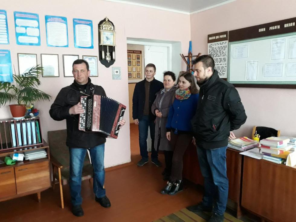 Гостей вітали Гімном Лесиного краю