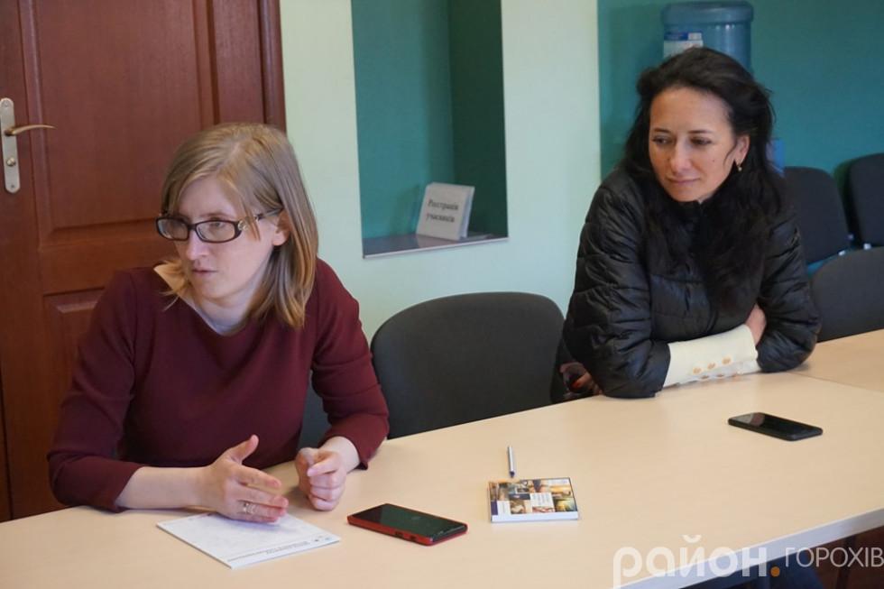 Журналістка Наталія Пахайчук та експертка Волинського центру розвитку місцевого самоврядування Оксана Урбан